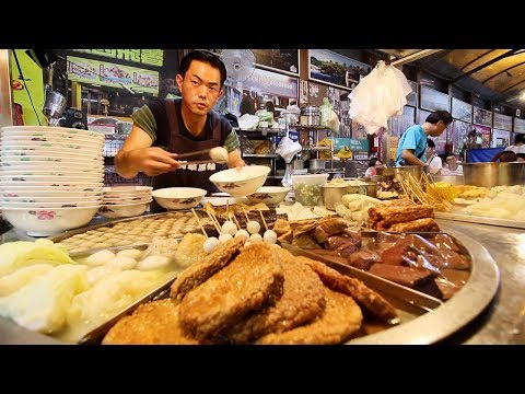 Taiwan's BIGGEST Street Food Night Market - $2 STREET FOOD @ Fengjia Night Market in Taichung (逢甲夜市)