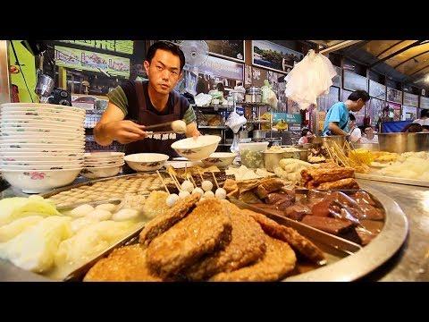 Taiwan's BIGGEST Street Food Night Market - $2 STREET FOOD @ Fengjia Night Market in Taichung (逢甲夜市)