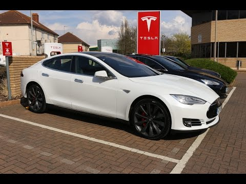 Insanely Fast Tesla Ludicrous Mode Review - Model S P90DL - PerformanceCars