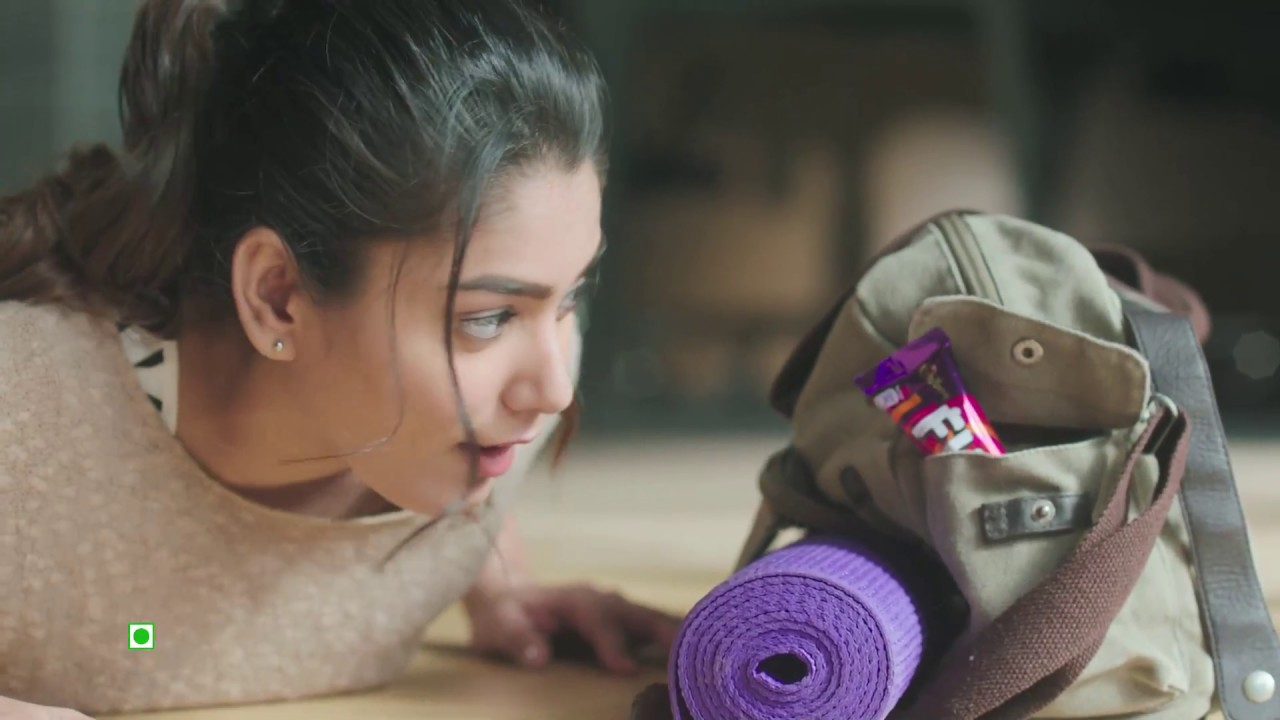 The Pretty babe who acted in Cadburys ad is now ready to tease your mood in these 6 Photos - Don