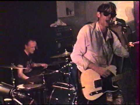 DOGS Live à La Machine à Coudre (Marseille 2002)