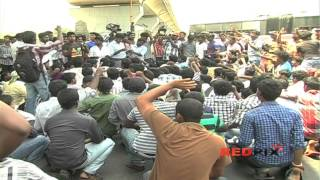 Sri Lankan Tamil Issue - College students siege Chennai International Airport 200 Arrested[RED PIX]