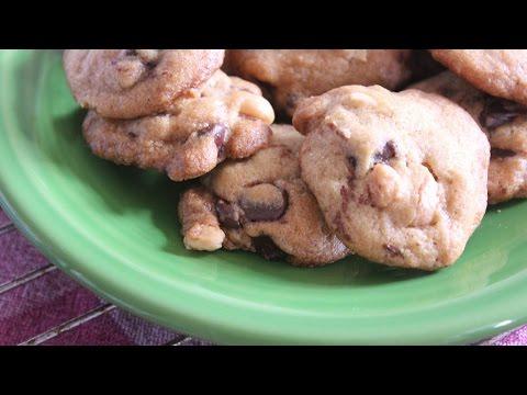 Wally Amos (Famous Amos) Perfect Chocolate Chip Macadamia Cookies