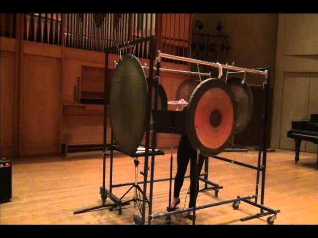 "Nick Virzi: ""Fragments of Sky"" for solo flute and gongs (Julie Yeaeun Lee)"