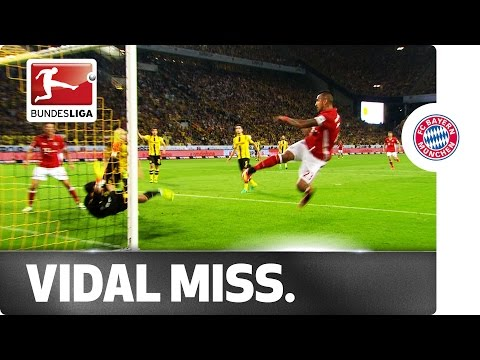 How's He Missed That?! Arturo Vidal's Supercup Sitter