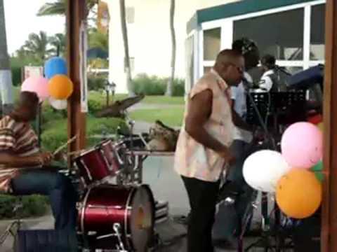 Claudius Philips @ La Cabana Aruba Happy Hour