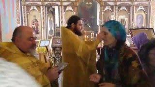 Раздача святынь после молебна святителю Спиридону Тримифунтскому(2 марта 2016 года по окончании молебна святителю Спиридону Тримифунтскому все желающие могли приложится..., 2016-03-03T01:32:07.000Z)