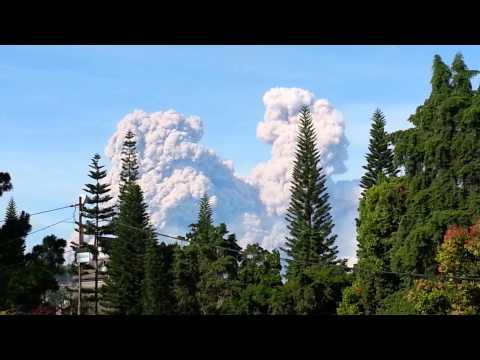 Medan Trip - Eruption of Sinabung   14 Dec 2014