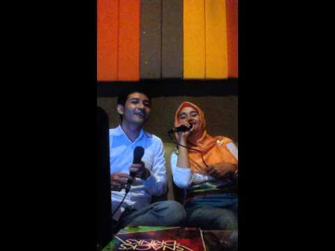 video karaoke agil dan karis
