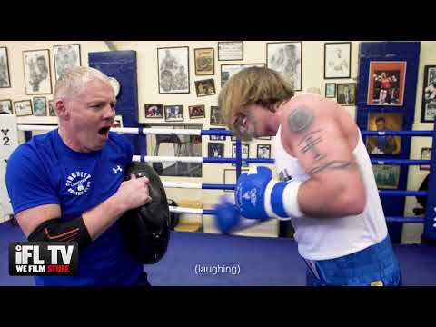 ANTHONY JOSHUA ASSESSMENT OF ROBBIE SAVAGE BOXING - AFTER TRAINING WITH HIS OLD COACH SEAN MURPHY