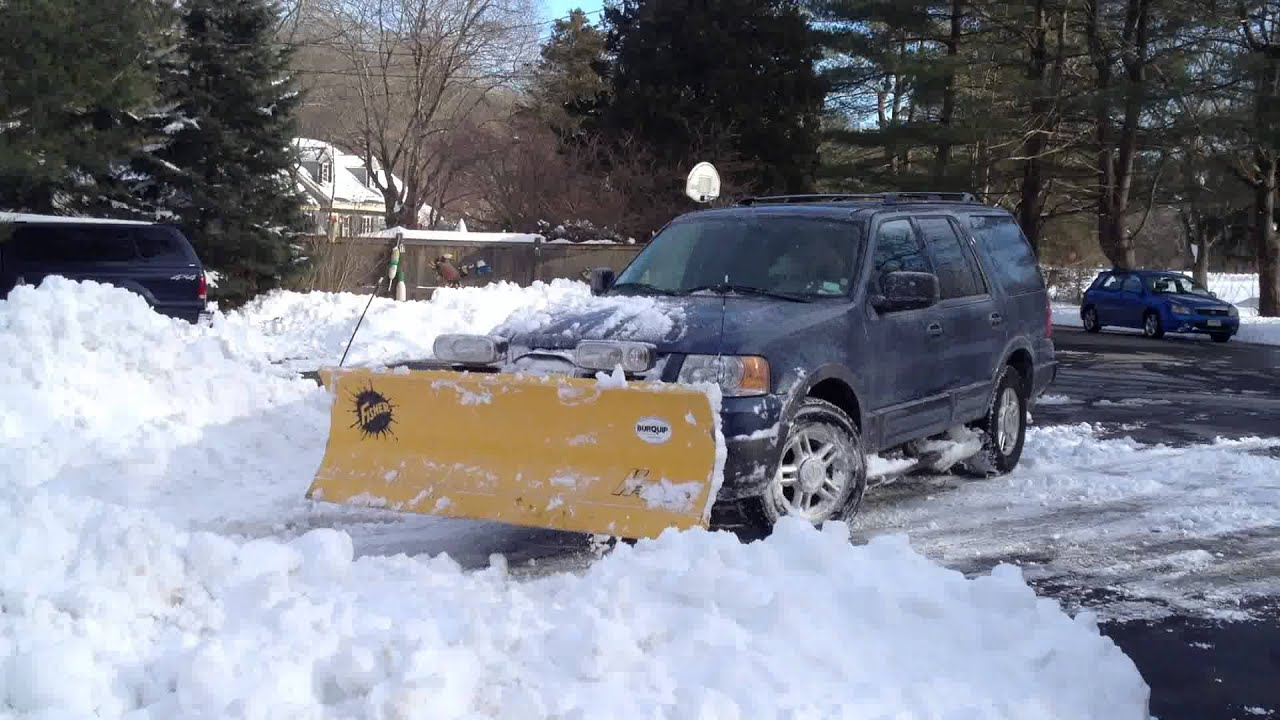 plowing snow with a 2004 ford expedition with a fisher