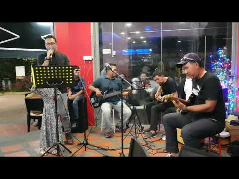 Selimut Hati (Cover) by Indie Buskerz @Spoon Steakhouse