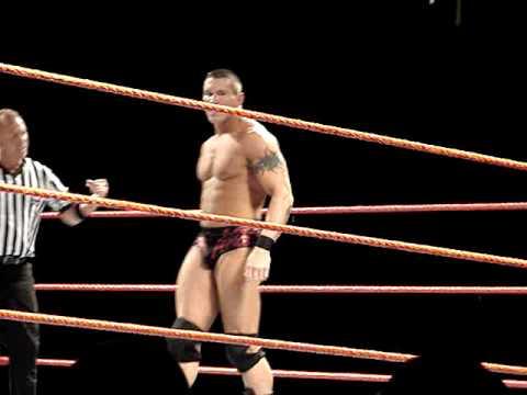 Randy Orton vs. HHH WWE RawTrenton House Show