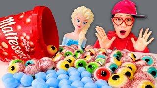 엘사 겨울왕국 신기한 얼음 몰티져스 눈알젤리 통 먹방 Frozen Elsa Ice Amazing maltesers eyeball jelly MUKBANG 머꼬보꼬 Romiyu