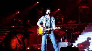 Blake Shelton singing Ol