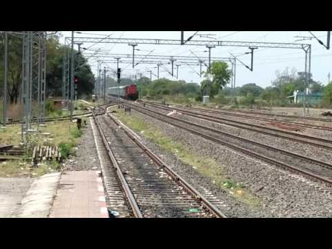 MEET UP OF SMALLEST PC TRAIN 17610 PAU-PNBE WITH 02198 JBP-CBE SPECIAL WITH MADLY HONKING KTE ALCO