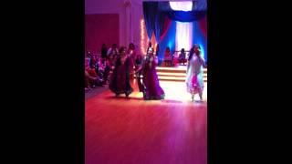 Nouman & Shaza: Girls Mehndi Dance