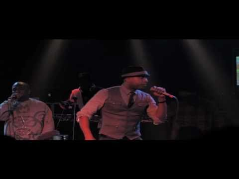 """Talib Kweli x Strong Arm Steady """"Go With Us"""" (Live at The Roxy)"""