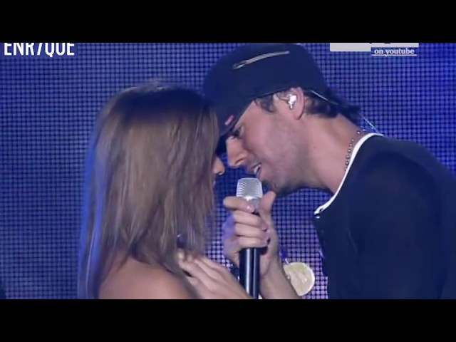 Enrique Iglesias - Hero LIVE, girls attack the stage!