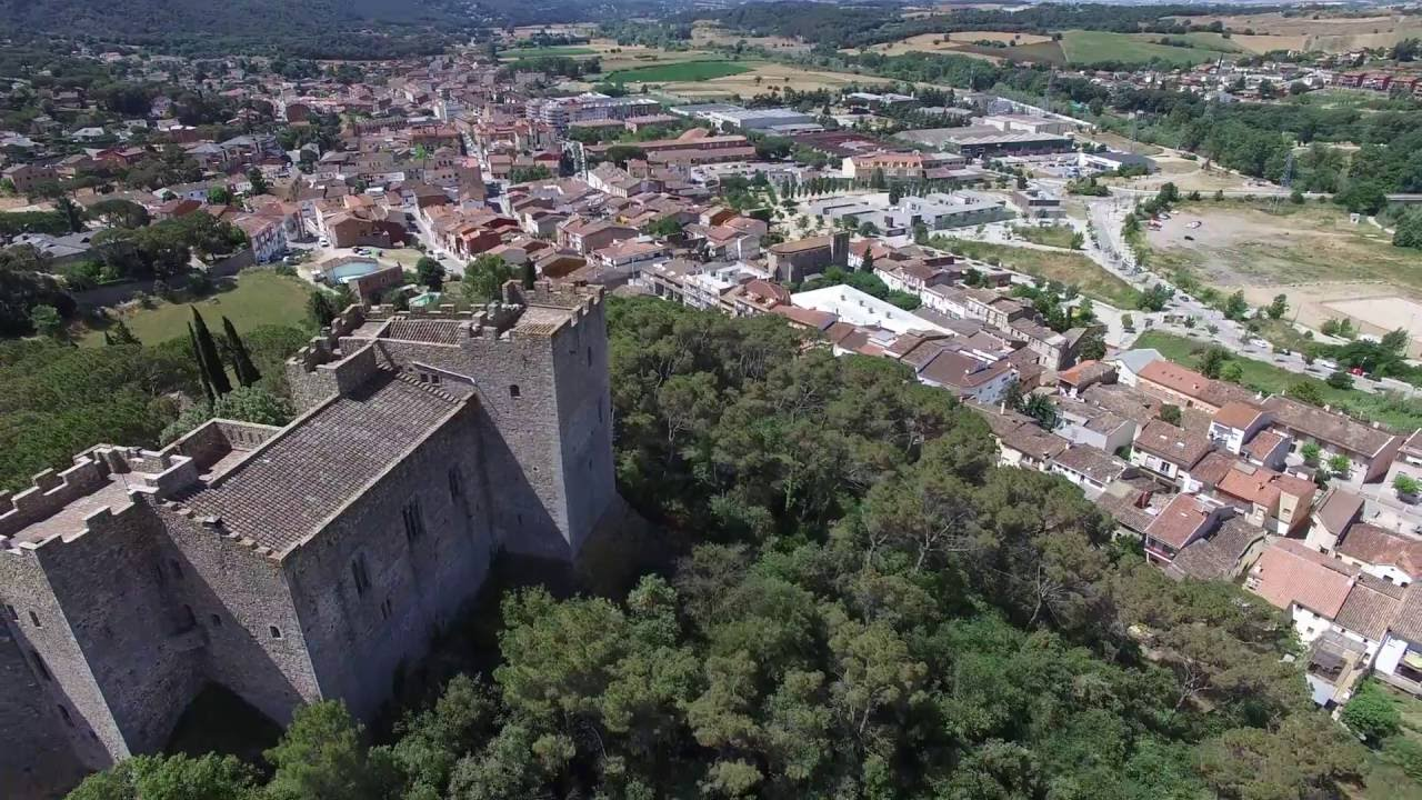 Dji phantom castillo la roca del valles youtube for Pisos en montornes del valles