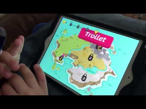 Max testar spela spelet Poio knäck läskoden