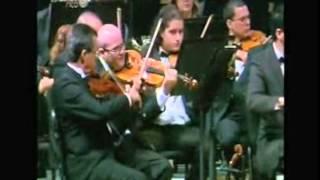 Soprano Larisa Martínez sings