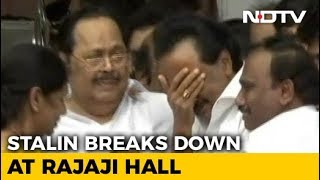 Karunanidhi's Son MK Stalin Breaks Down On Hearing Court Ruling On Burial