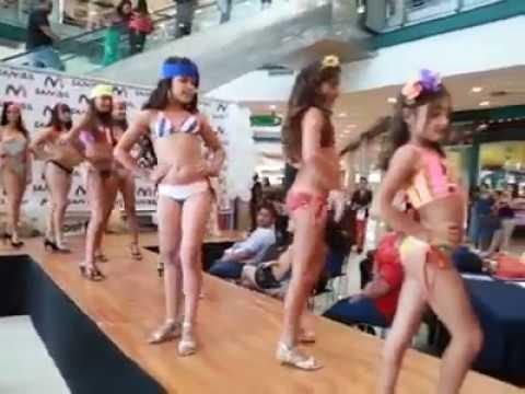 Desfile De Modas En Cc Sambil Valencia