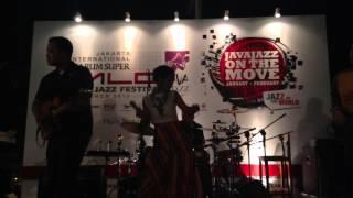 Andien - Menjelma (Java Jazz on The Move 2013)