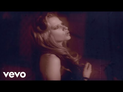Avril Lavigne - Nobody's Home (VIDEO)