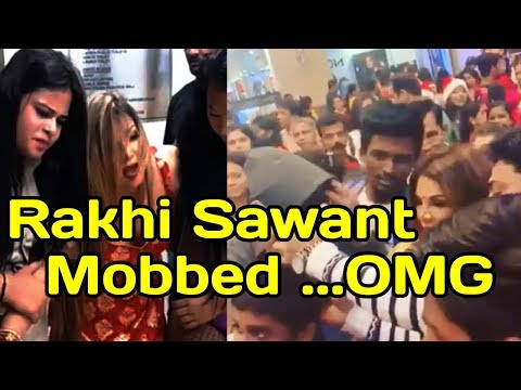 SHOCKING :Drama Queen R@khi Mobbed in Mall @christmas celebration