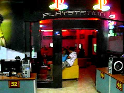 Stop And Play Internet Cafe