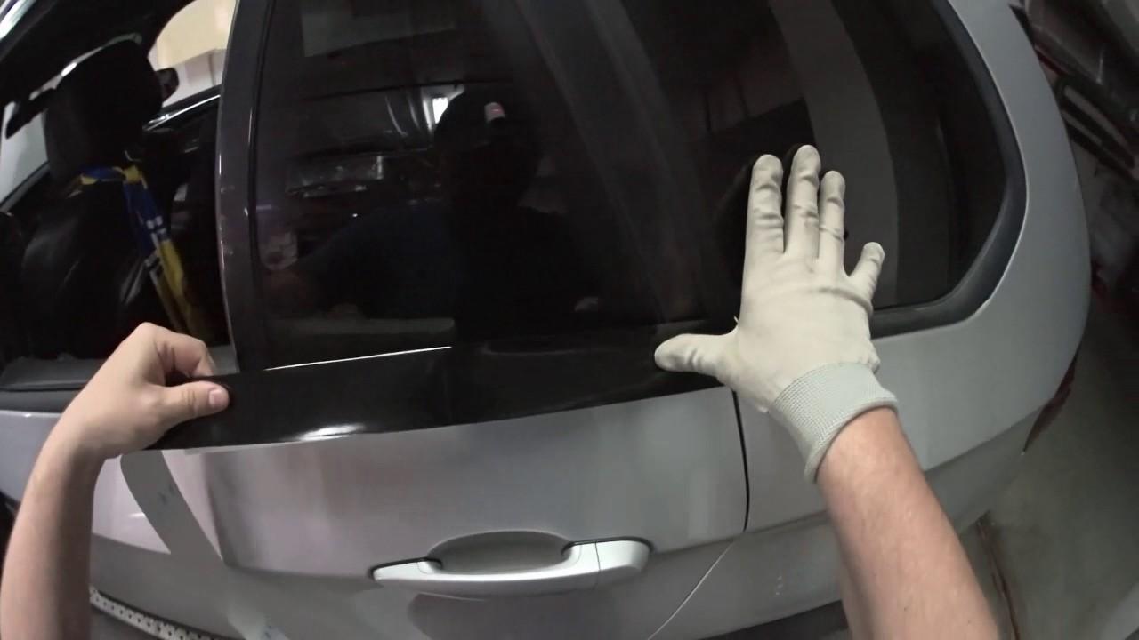 BMW  X5 окоейка в черный глянец молдингов.