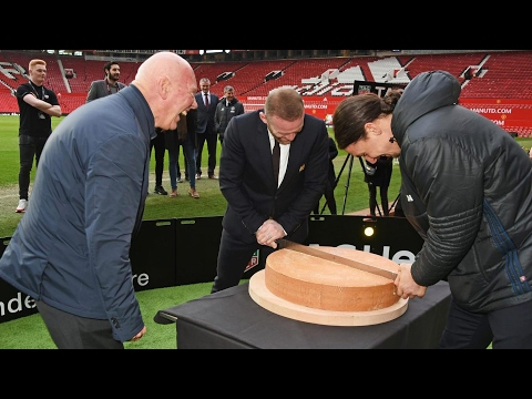 Manchester United's Rooney & Ibrahimovic Battle On Accuracy Reaction Machine & With Wheel Of Cheese!