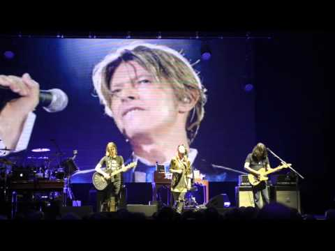 Steven Wilson - Space Oddity (David Bowie) - Hammersmith Apollo 27th Jan 2016