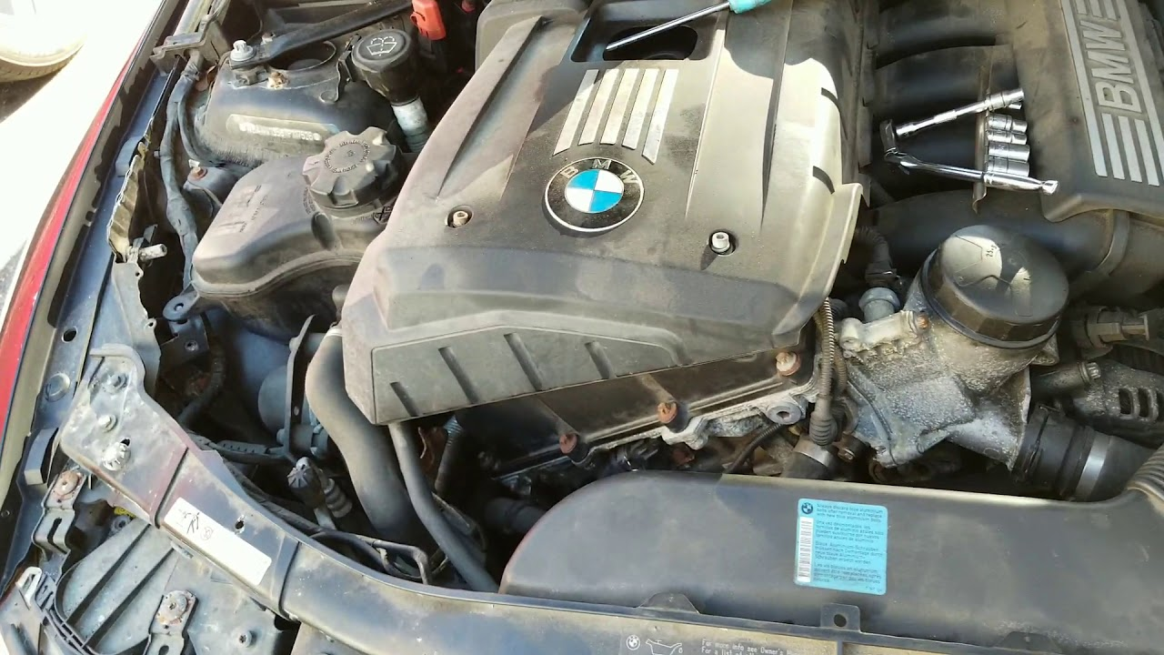 07 BMW 328i cam position sensor location