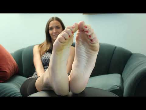 Girl feet worship 2 - YouTube