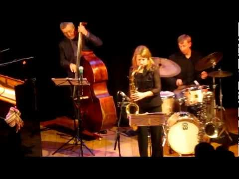 "Karen Sharp Quartet ""Everyone's song but my own"" Seven Jazz Leeds.MOV"