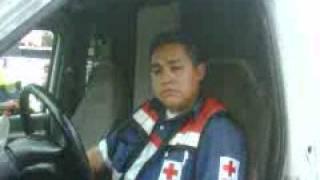paramedico  poco profesional y la cruz roja lo protege como ven da asco o no