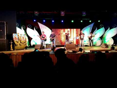 Aahatein - Agnee Live Performance By Halanth