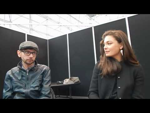 DJ Qualls and Alexa Davalos talk The Man in the High Castle @ NYCC '16