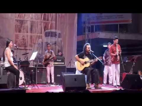 Ethnic in Music Jazz Festival kota lama Semarang 2015 Tonga from Flores