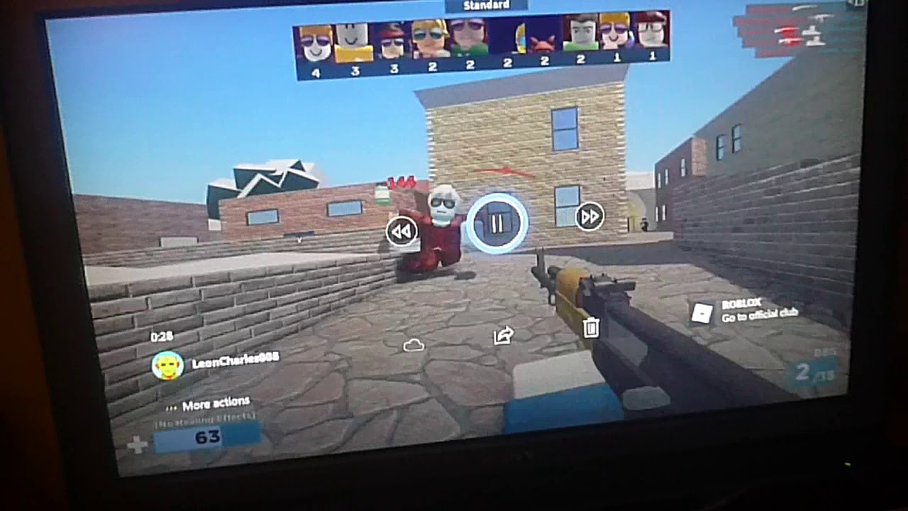 how to use voice chat on roblox xbox one