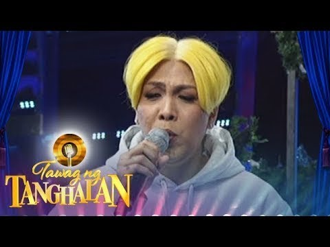 Tawag ng Tanghalan: Vice Ganda's composes an impromptu Christmas song