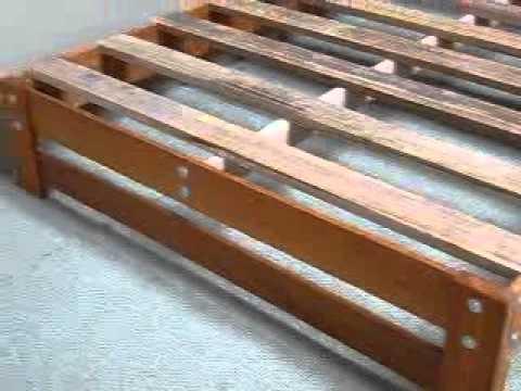 Tarima economica 2 plazas madera tornillo youtube for Como hacer una cama japonesa paso a paso