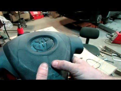 Toyota Corolla ремонт подушки безопасности водителя 1