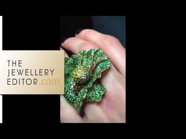 Video: Maria tries on Chopard Animal Kingdom Snail ring