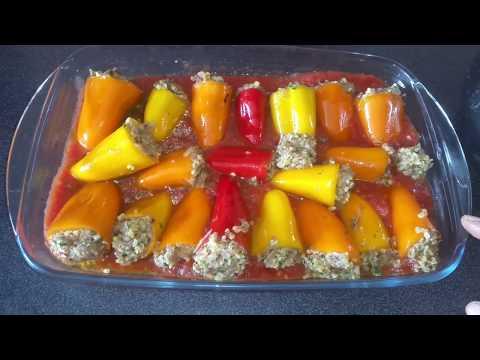 minis-poivrons-farcis-a-la-viande-hachee-et-au-boulgour-sauce-tomate
