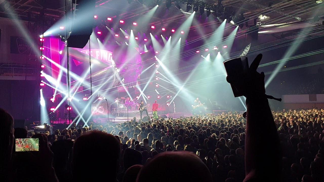 Five Finger Death Punch - Trouble - 4k | live @ Hamburg 04.02.2020 | Alsterdorfer Sporthalle