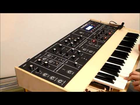 DIY digital controlled analog monophonic synthesizer